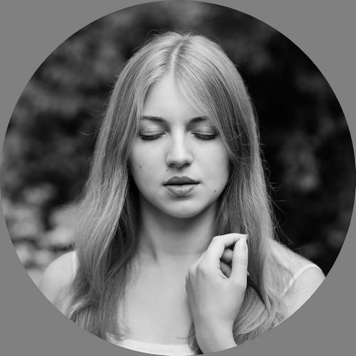 Klasikinio Portreto Meistras -  Pristato  Fotopaslaugų Kainyną